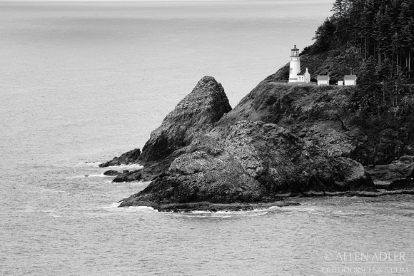 Haceta Head Lighthouse BW